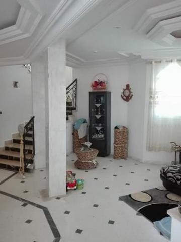 maison une belle maison kasserine kasserine nord. Black Bedroom Furniture Sets. Home Design Ideas