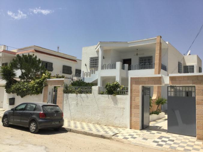 Étage de villa cité essourour Sfax