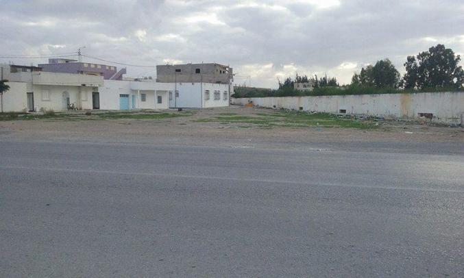 Av un terrain à Djedeida sur la route principale