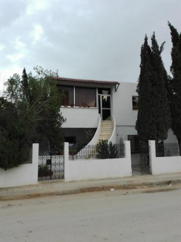 Maison bon emplacement khaznadar le bardo