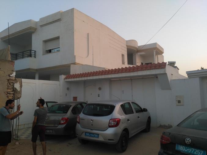 Villa et deux appartement