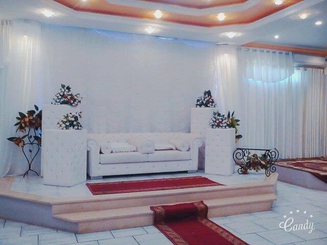 A vendre villa + Salle des fêtes