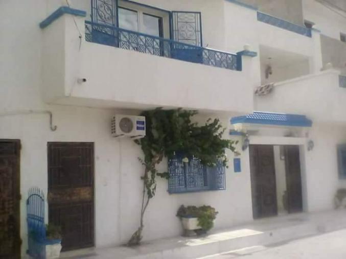 Villa et deux appartements et un studio