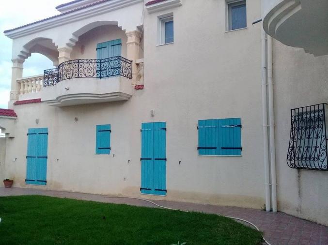 Belle Villa style Américain à Menzel Abdrahmen Bizerte