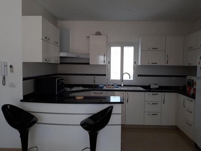 joli appartement de haut standing meublé à khezema