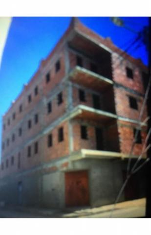Lots 7 appartements 160 m2 et 3 locaux rdc 1300 m2