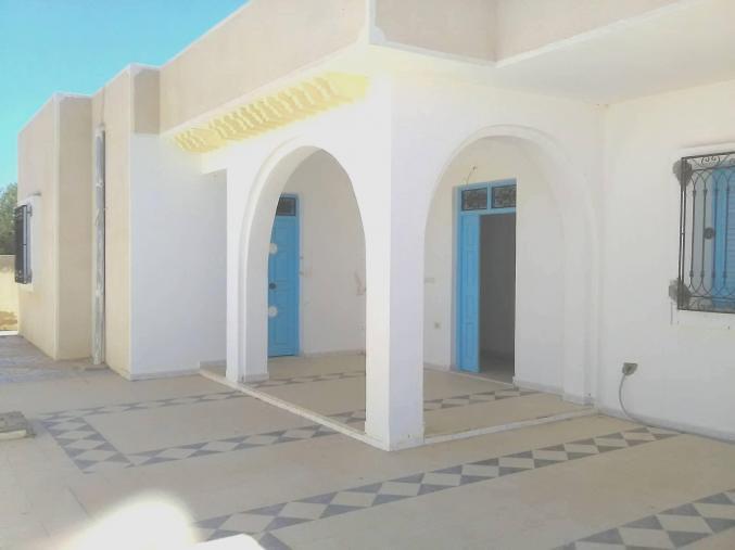 villa indépendante à louer à houmt souk