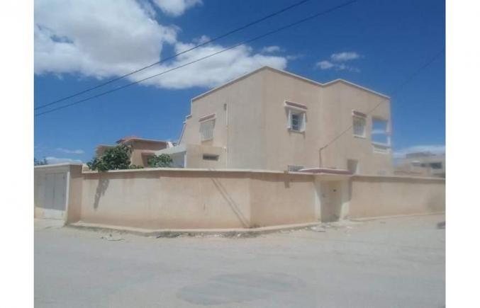 Villa 642m2 à El Ksar