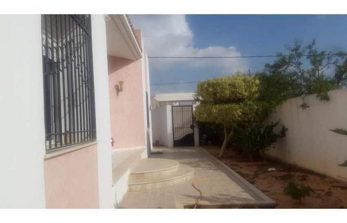Villa 452m2 à Sfax Route Matar