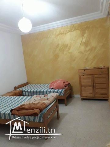 A VENDER :apt richement meublé spacieux