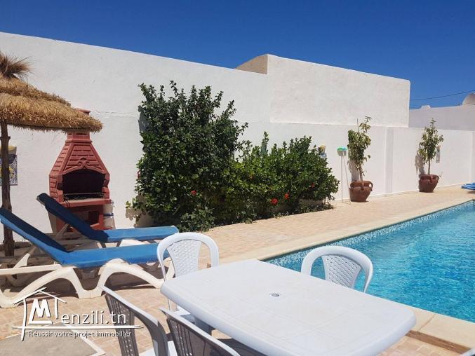 villa avec piscine pour les vacanciers