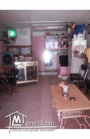 Fond de comerce salon de coiffures avec matériel