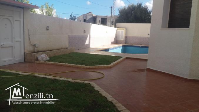Grande villa haut standing avec piscine