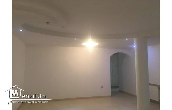 Etage villa 180m2 à Ghazela