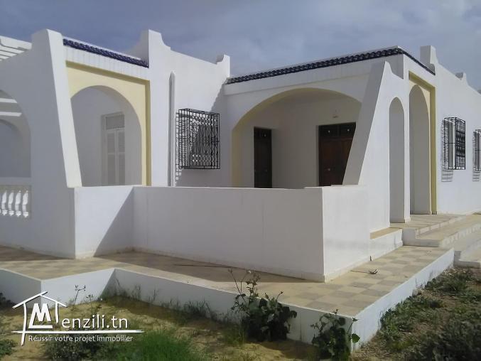 villa indépendante à la location à houmt souk boumallel