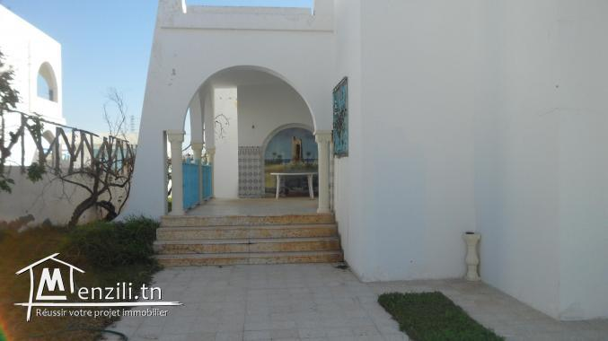 maison  au zone borj kadija