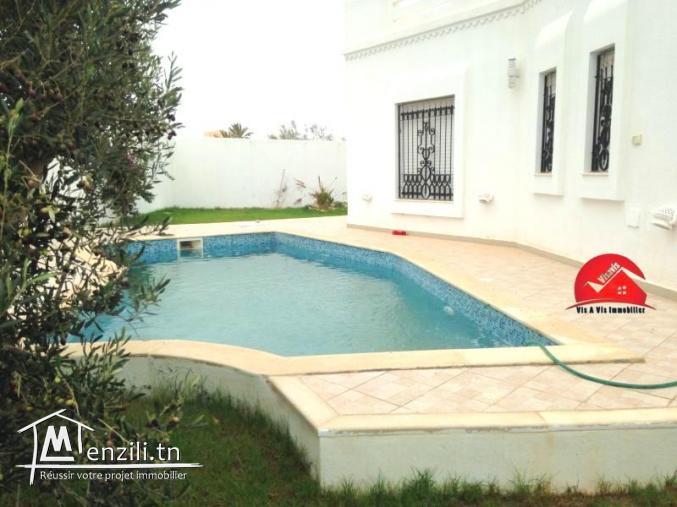 Maison :Villa Avec Piscine Privée Pour Location Saisonnière A Djerba