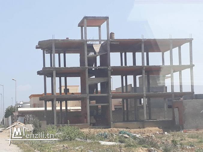 une grande villa inachevée A BORJ CEDRIA
