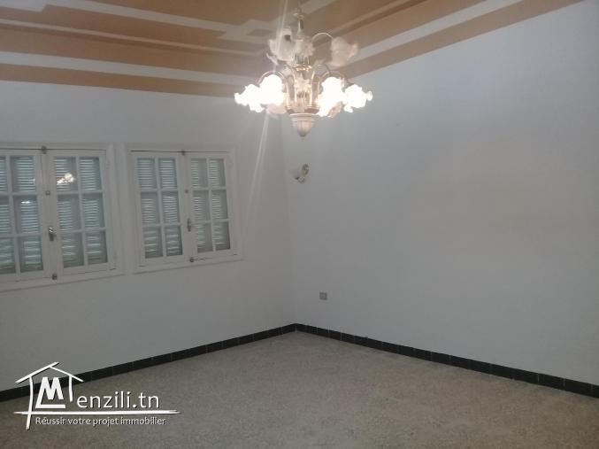 A vendre une maison rez-de-chaussée