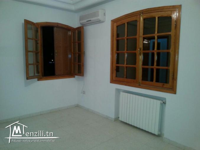 Etage de villa à Ennasr