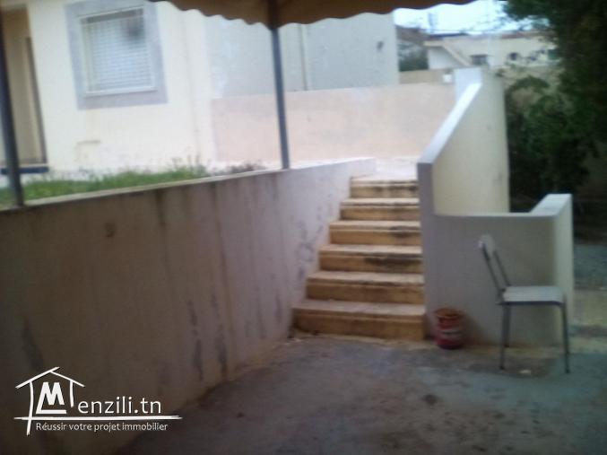 Au jardin d'el Menzah villa duplex rez de chaussée et un étage-titre foncier