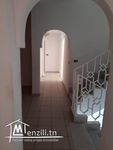 À vendre un immeuble à El Menzah1