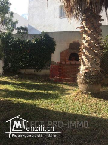 A vendre – villa – 459m² à Menzah 9 TV2003