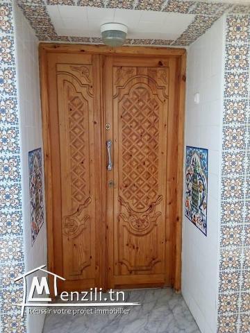 Maison arabe + boutique + appartement indépendant à beb souika