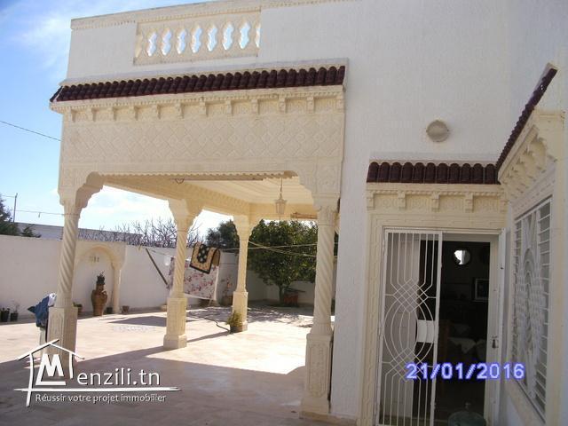 Charmante villa a la plage ds 380m2