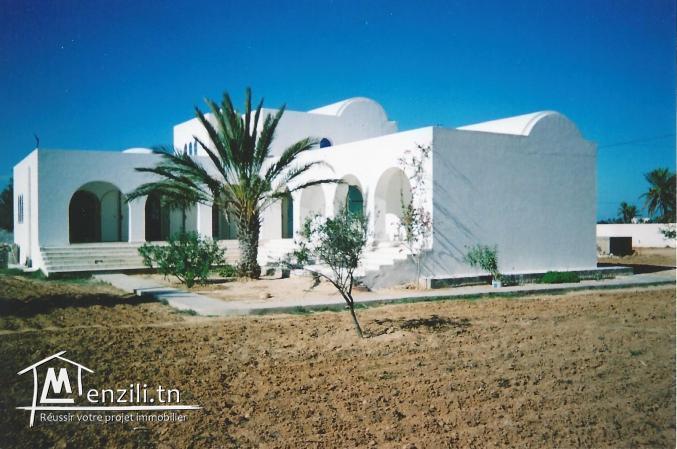 « El Houch » : magnifique maison vue de mer à vendre à Djerba