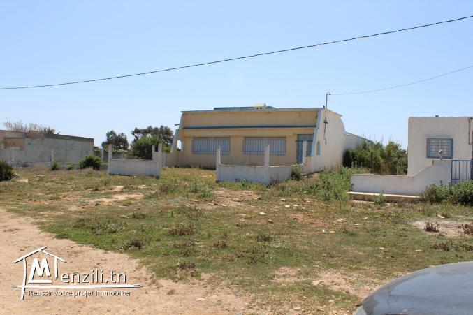une maison pieds dans l'eau à El Haouaria