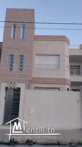 Etage de villa s+3 haut standing au cité beau séjours