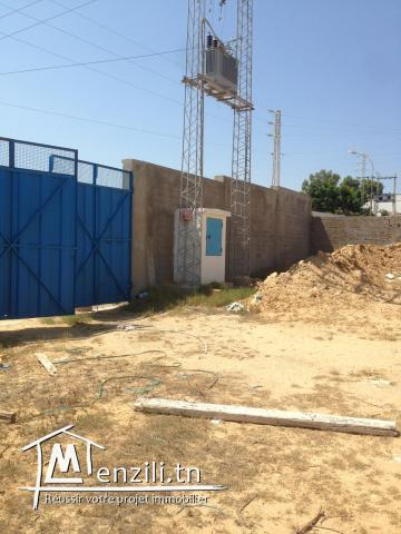 A LOUER LOCAL INDUSTRIEL 1000 M2 ZI KALLA KEBIRA GSM:21383821