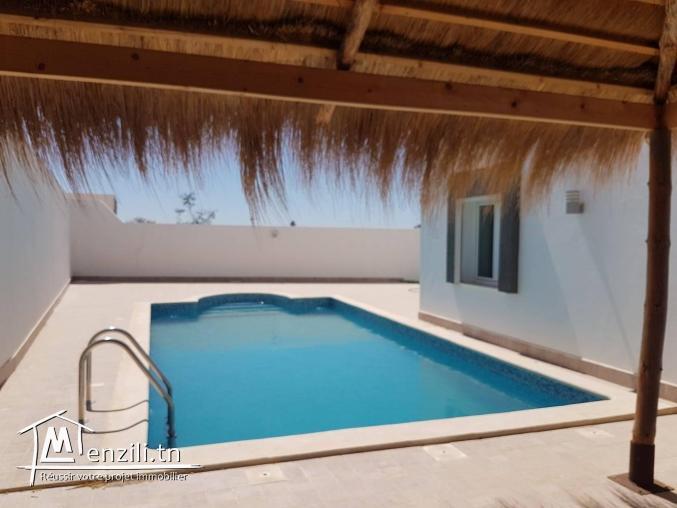 villa avec piscine disponible juillet à bas prix