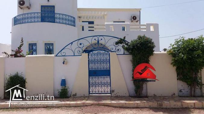 maison villa avec piscine pour location longue dur e djerba midoun m denine djerba midoun. Black Bedroom Furniture Sets. Home Design Ideas