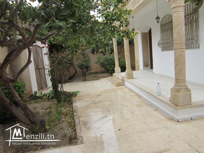 villa style américain isolé ac jardin