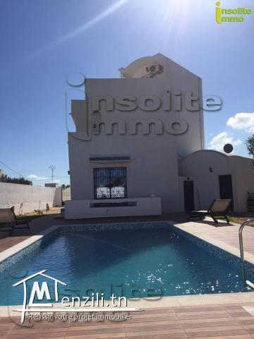 une prestigieuse villa mise en location à Tezdayine Midoun Djerba