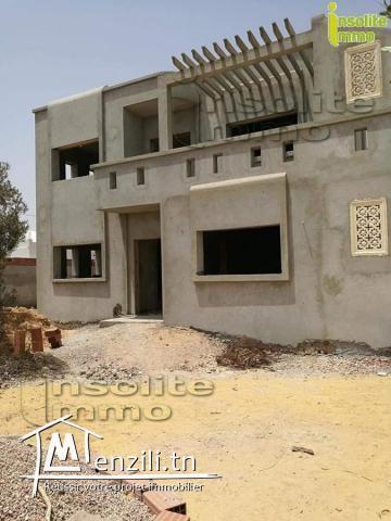 A vendre un ensemble de deux villas encours de construction situé  à Tezdayine Midoun Djerba