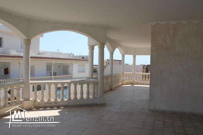 Villa à Korba avec une grande cave aménageable