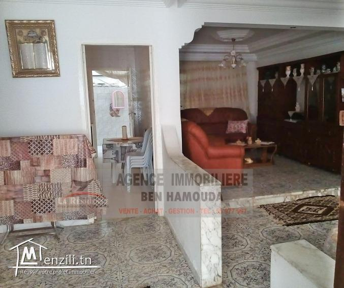 REF: M33/ à vendre maison sur 3 niveaux