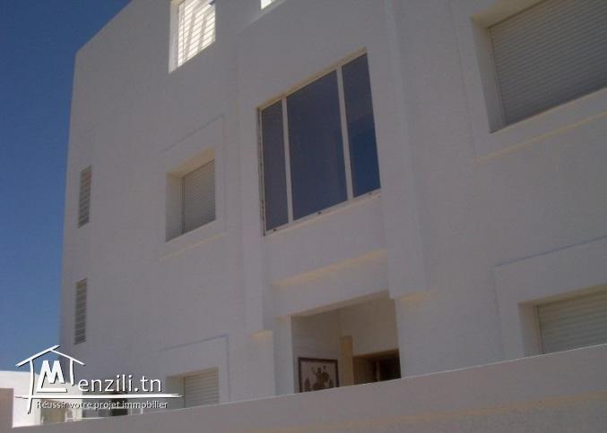 Immeuble : 1 villa et 6 appartements à Sousse à 300 m de la plage