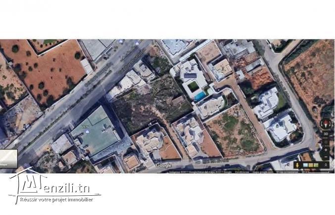 terrain zone  entre les cliniques