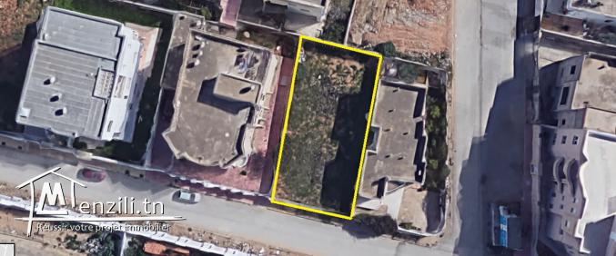 أرض في حي راقي في العاصمة