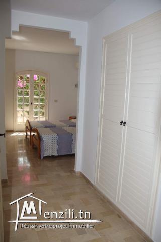 Loue maison de maitre tel 96621141