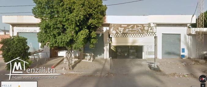 Maison avec locaux commerciaux - Idéale pour Projet