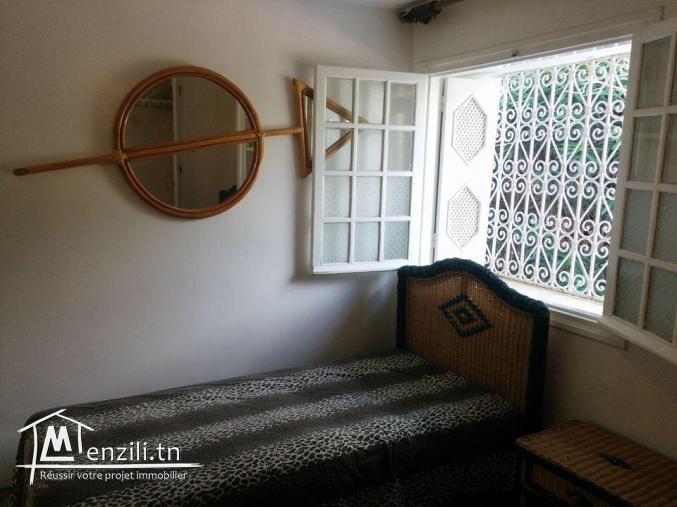 maamoura plage, loue villa richement meublée, pieds dans l'eau.