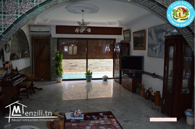 Une magnifique  villa avec piscine