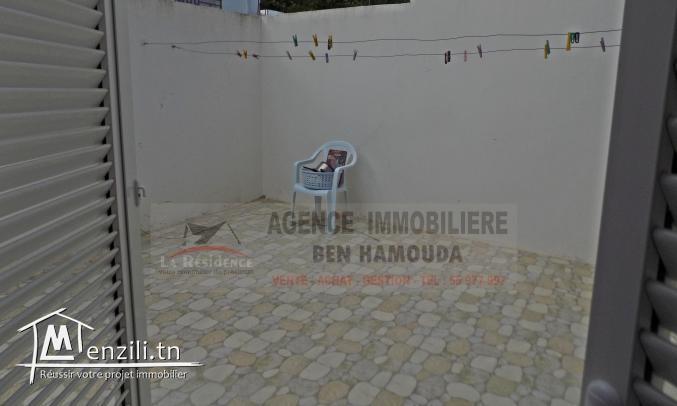 REF: L057/ RDC d'une maison à la corniche.