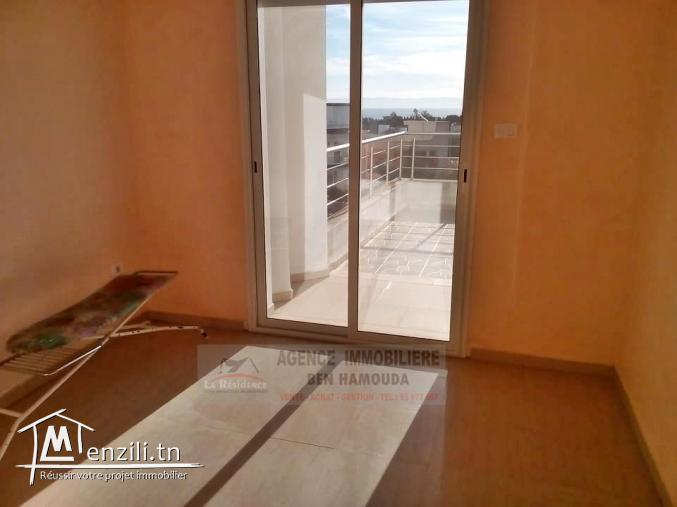 REF : L067/ étage d'une villa meublée avec vue sur mer