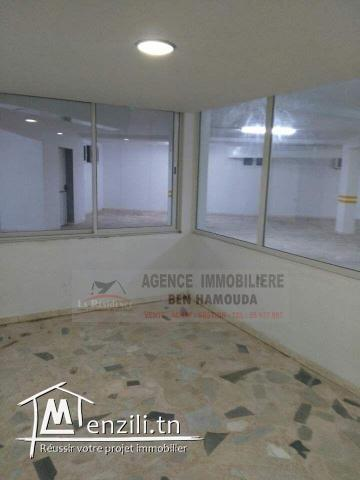 REF: LC02/ Local commercial de 300m²